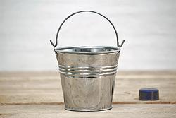 to bucket jelentese magyarul