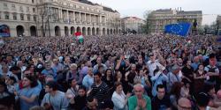 democracy jelentese magyarul