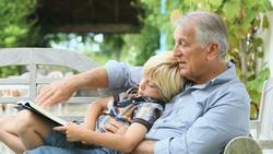 grandfather jelentese magyarul
