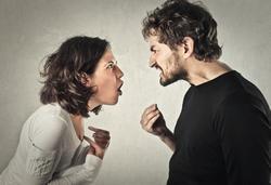 quarrel jelentese magyarul