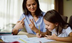 tutor jelentese magyarul