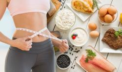 diétát ír elő (valakinek) angolul