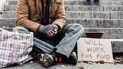 hajléktalan angolul