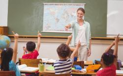 pedagógus angolul